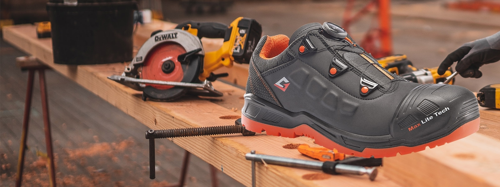 Garsport S3 safety shoes with full protection line toecap
